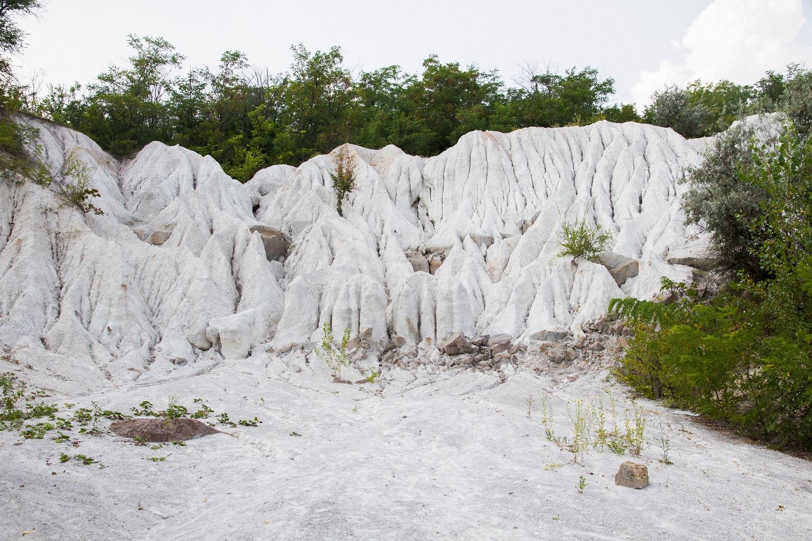 Білі вапнякові скелі