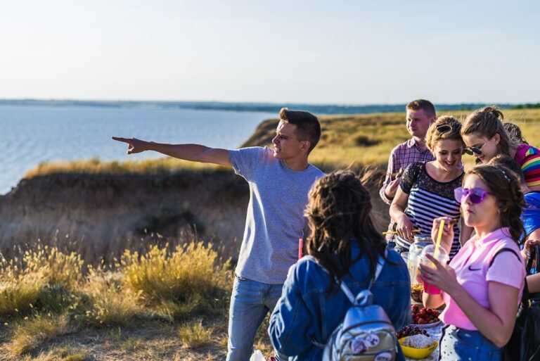 Група туристів в Херсонських горах