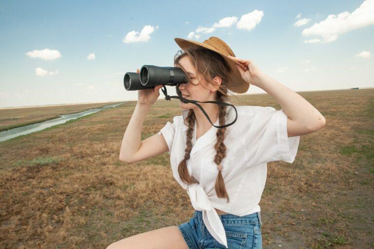 Девушка на смотровой площадке