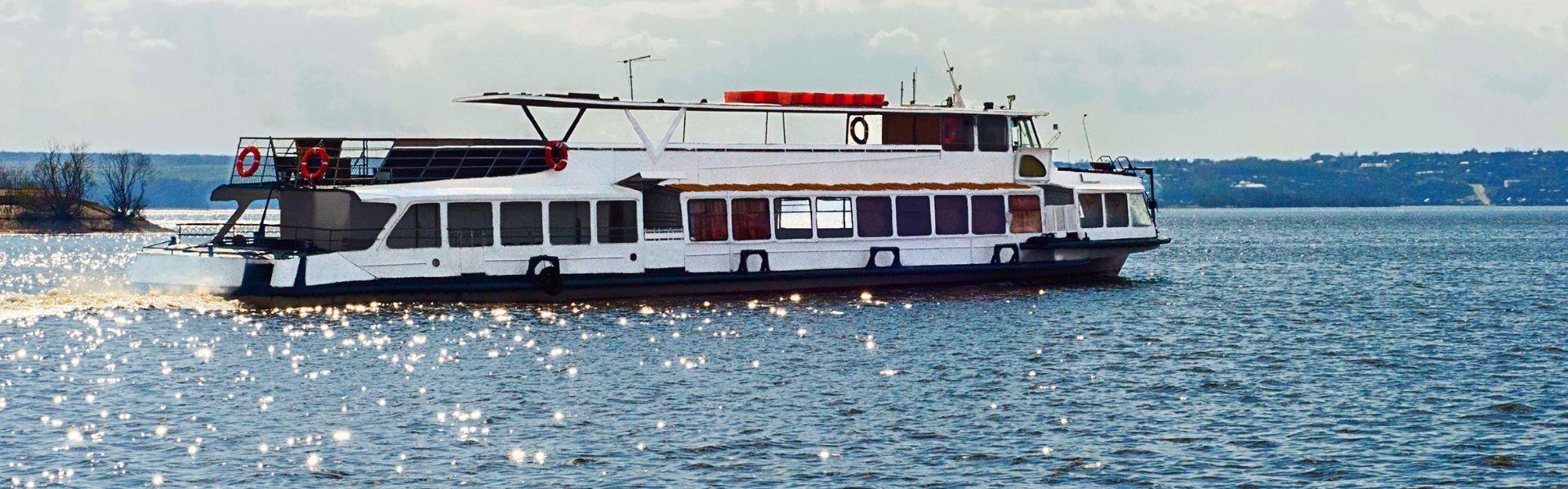 Оренда катера «Гетьман» у Херсоні