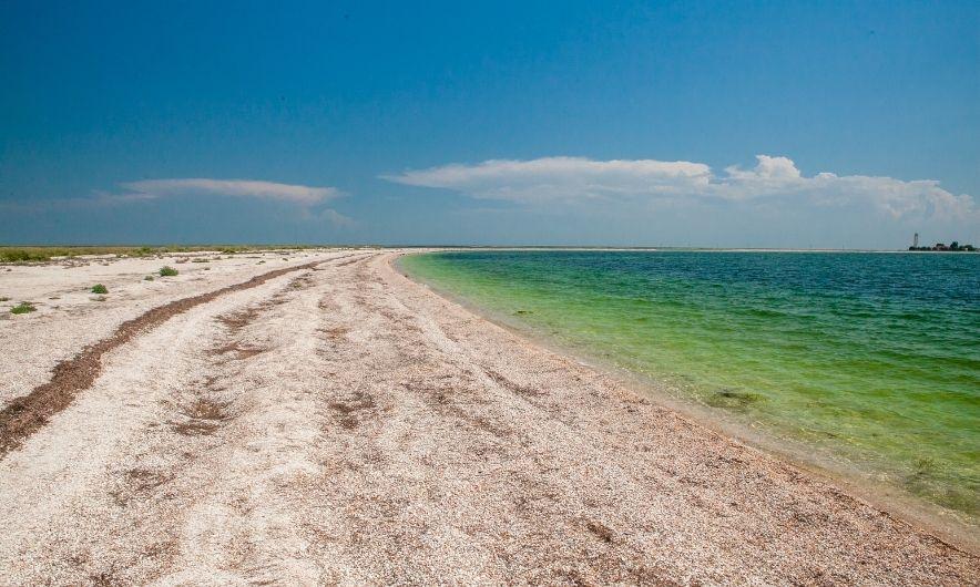 Пляж острова Бирючий