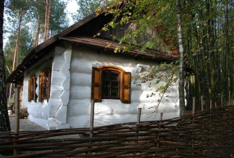 Будинок в етнографічному комплексі