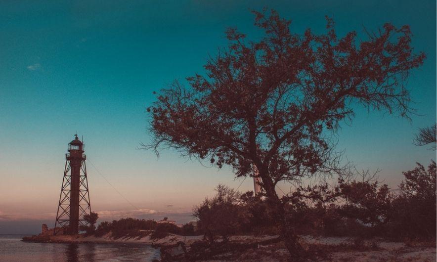 Джарылгачский маяк