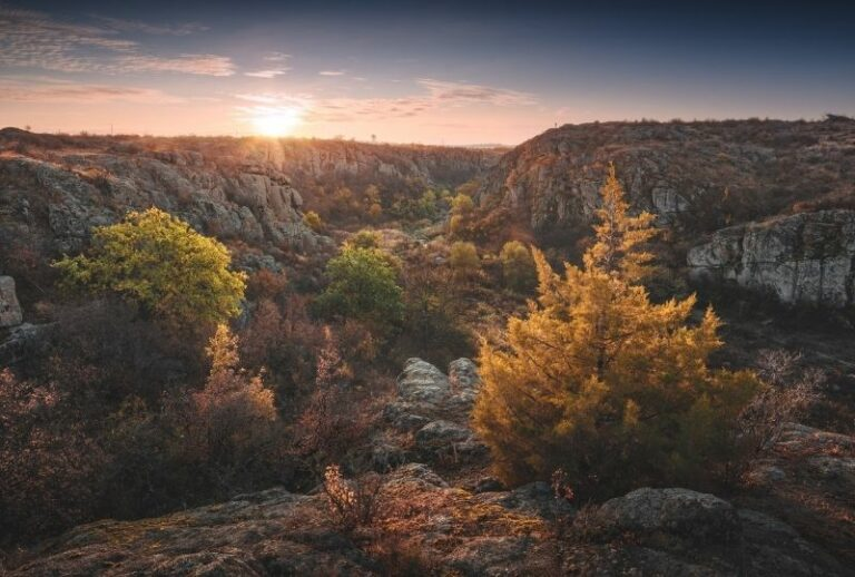 Каньйон в Актово