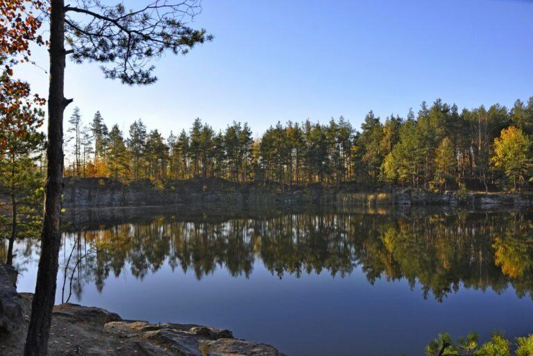 Панорамний вид на Коростишівський кар'єр