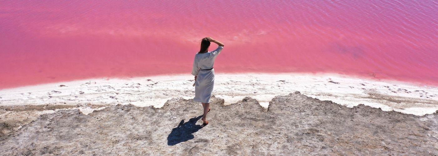 Херсонское «Мертвое море»: розовое соленое озеро в Херсонской области