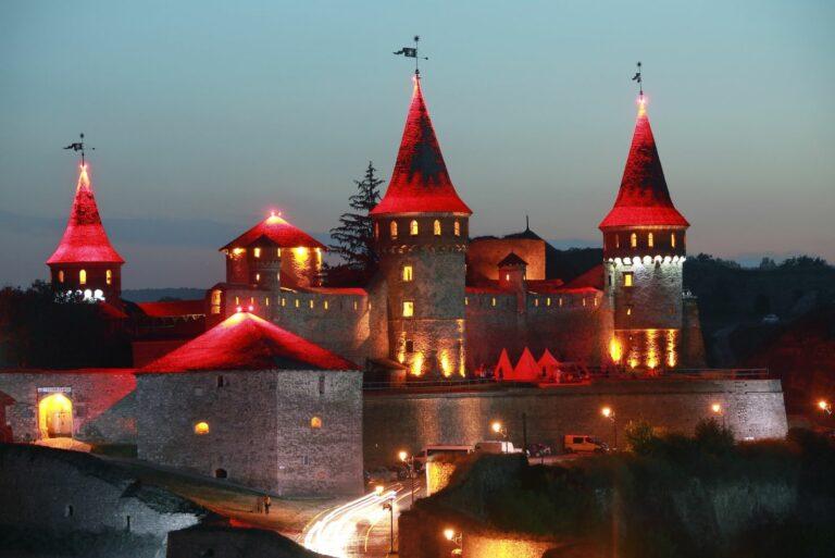 Ночная крепость