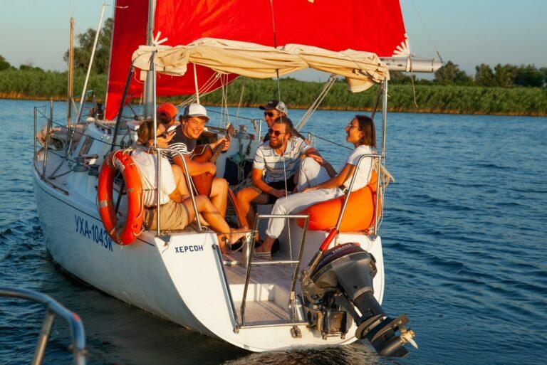 С друзями на яхте