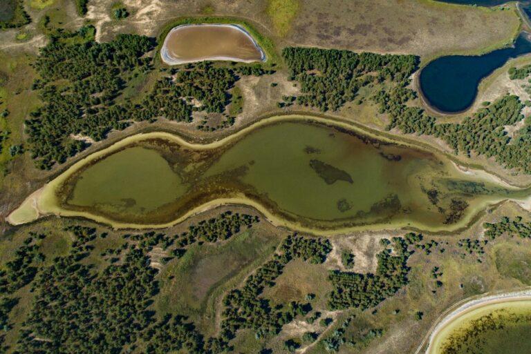 Пресные озера на Кинбурне