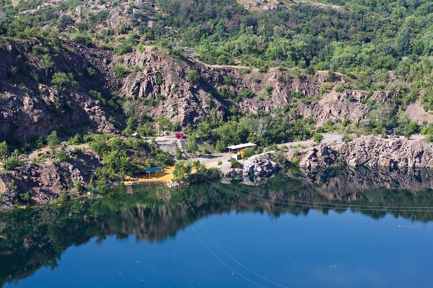 Радоновое озеро недалеко села Мигеи