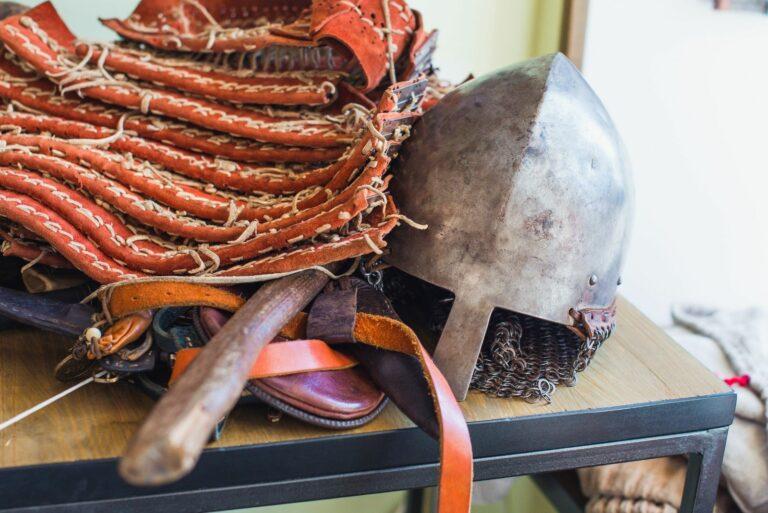 Старый шлем