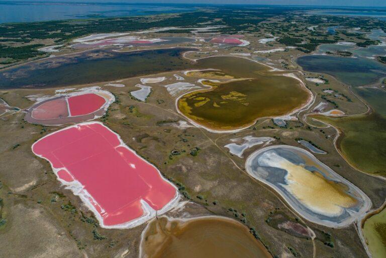 Розовые озера на Кинбурне
