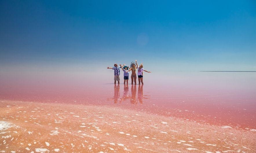 Розовое озеро в Ивановке
