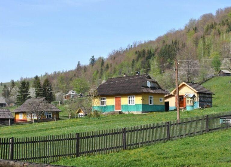 Село Космач