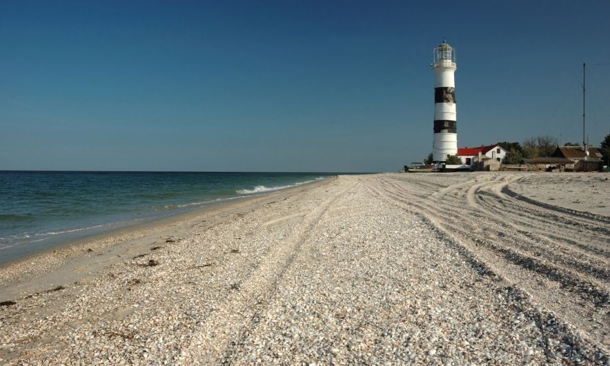 Дикий пляж на Тендре