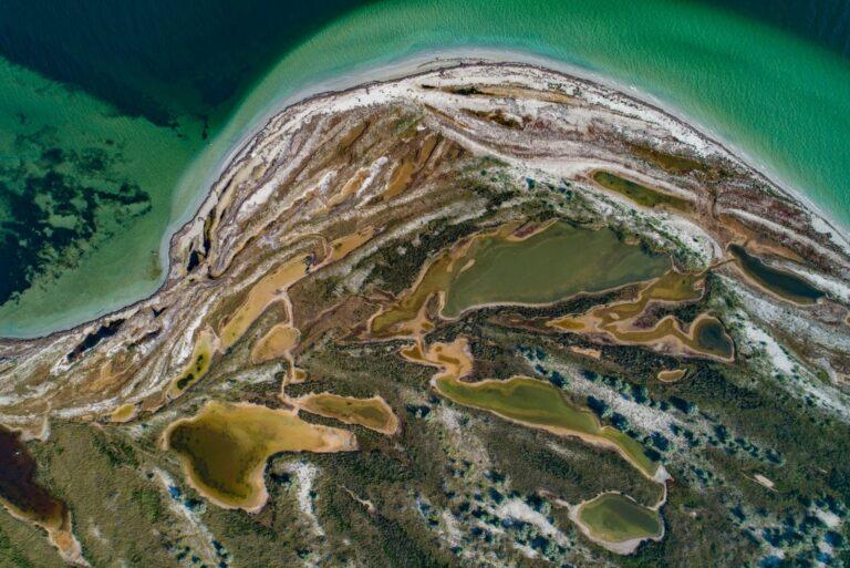 Острів Джа згори