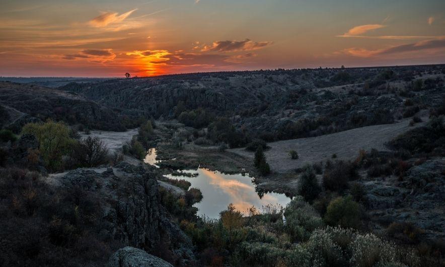Каньон на закате солнца