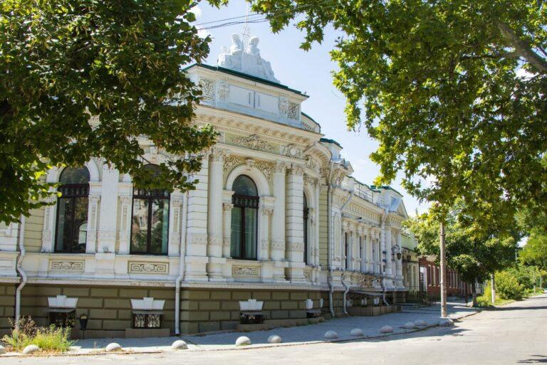 Будівля на вул. Суворова