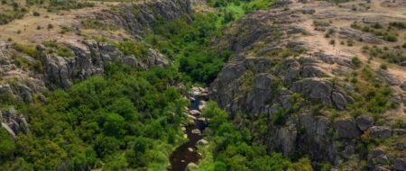 Как добраться в Актовский каньон и на что обратить внимание