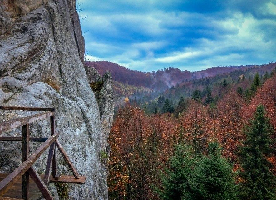 Карпати, фантастичний вид з гори