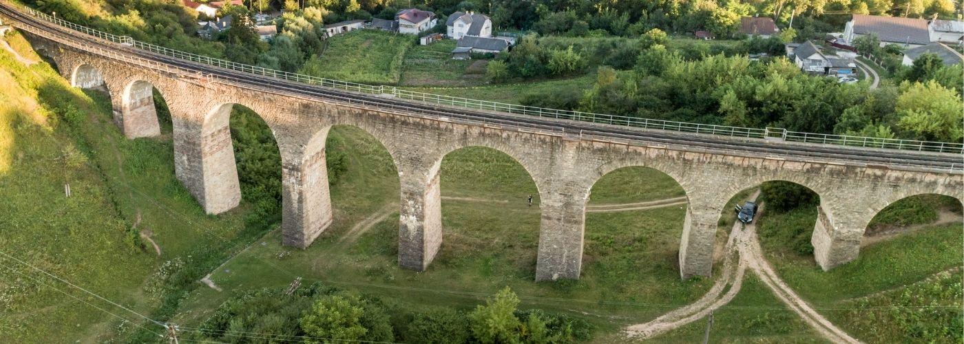 ТОП-10 самых красивых и старинных мостов Украины
