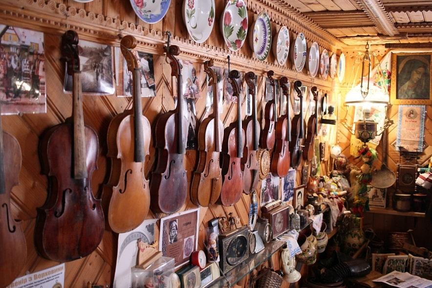 Коллекция музыкальных инструментов