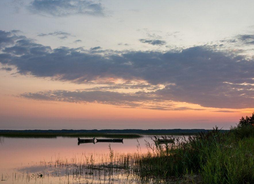 Острів на озері Світязь на заході