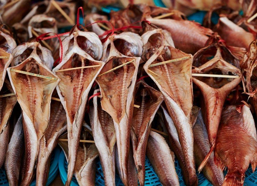 Риба на ринку Арабатки
