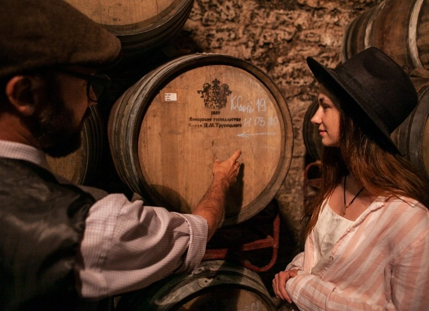 Бочка з вином у Шато Трубецького