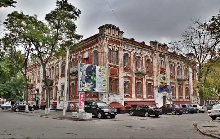 Здание херсонской табачной фабрики
