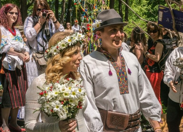 Свадьба в украинских национальных костюмах
