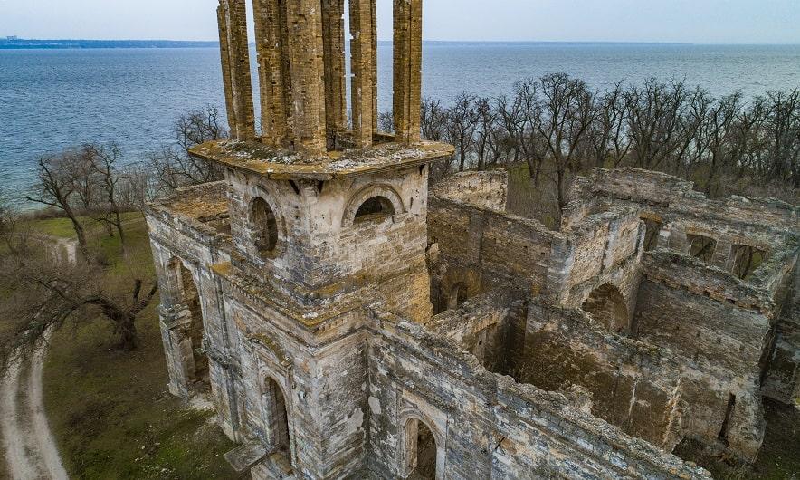 Руины замка Фальц-Фейнов