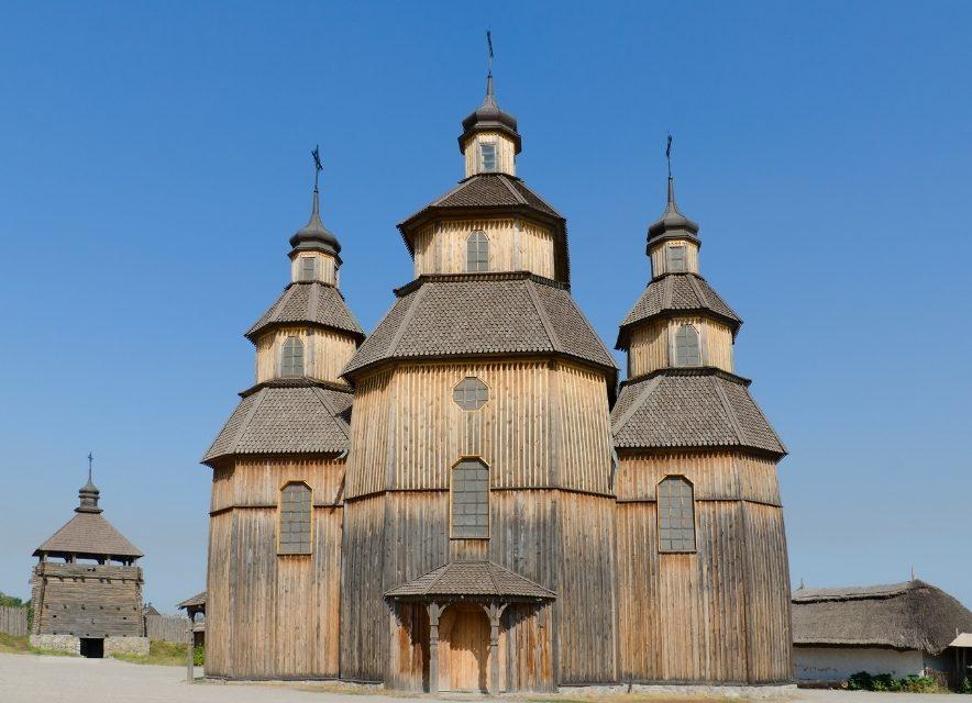 Церковь на территории