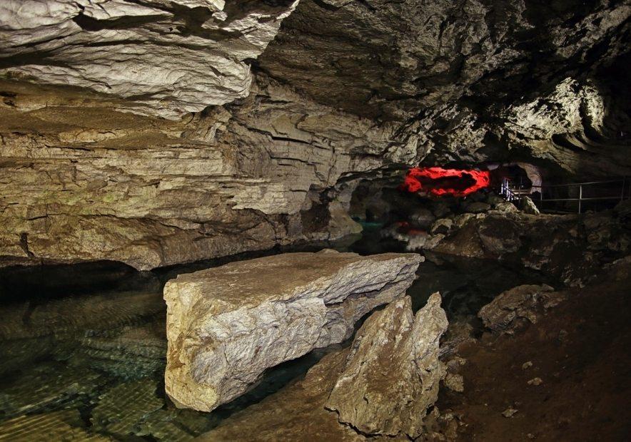 Фото в печері