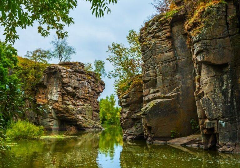 Вид на реку в каньоне