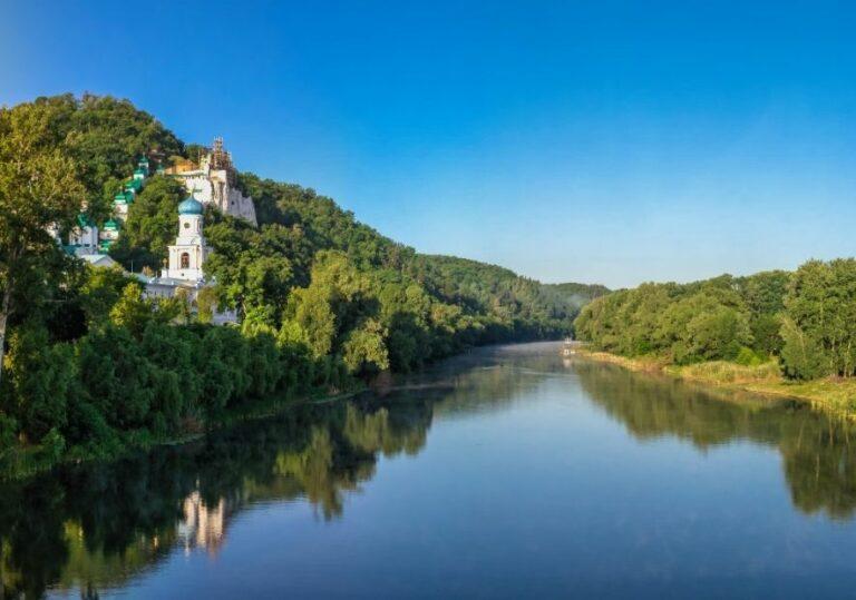 Река Северский Донец и лавра