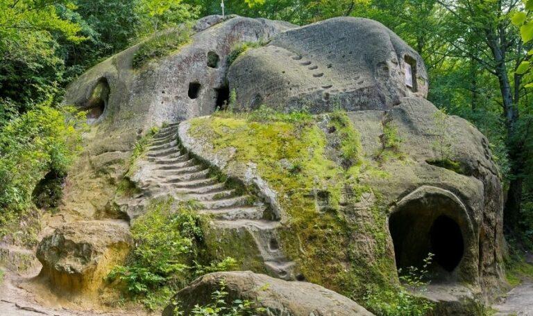 Необычный монастырь на Львовщине